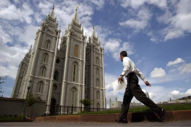 slc-temple-pedestrian